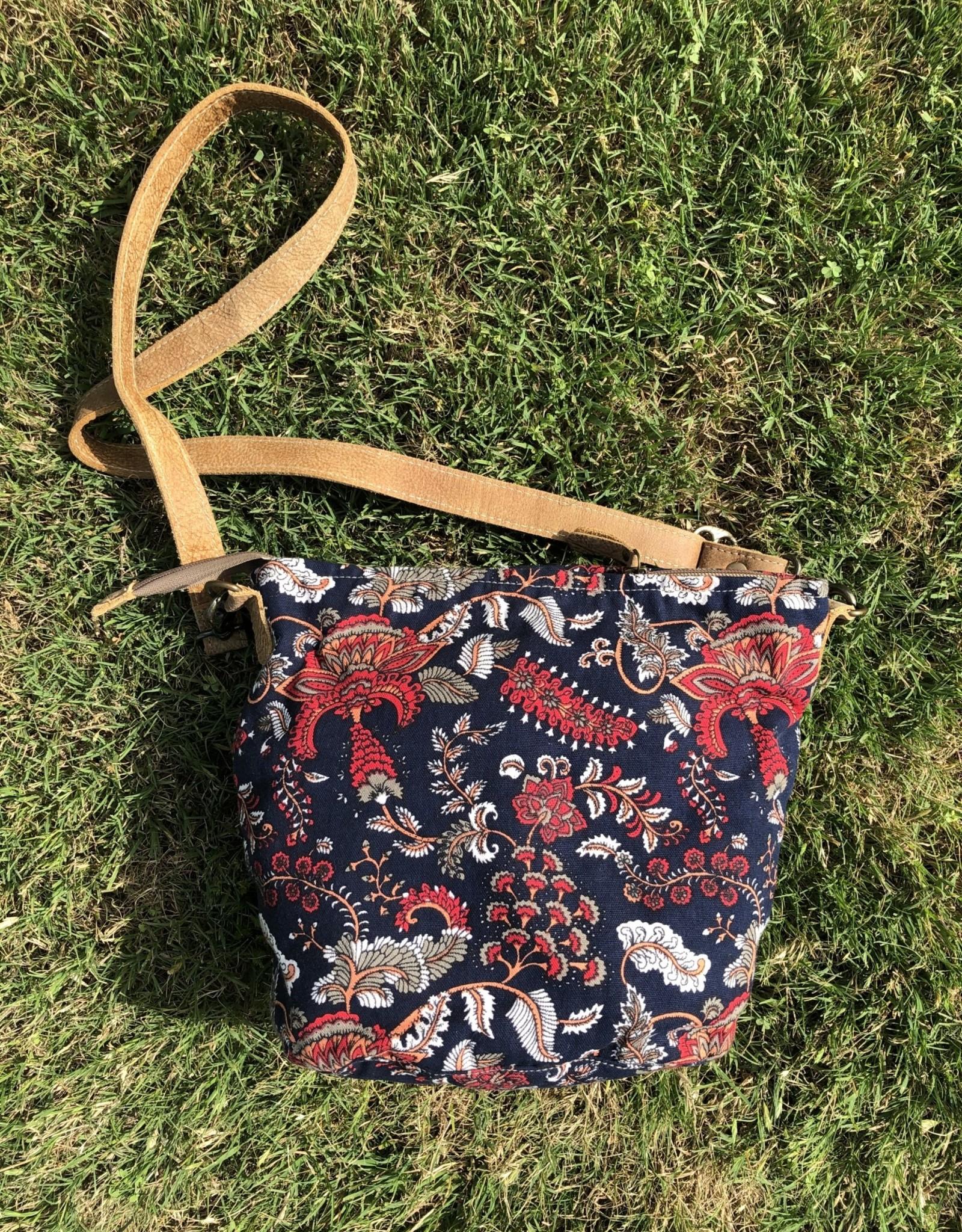 Wink Paisley H Pocket Bag