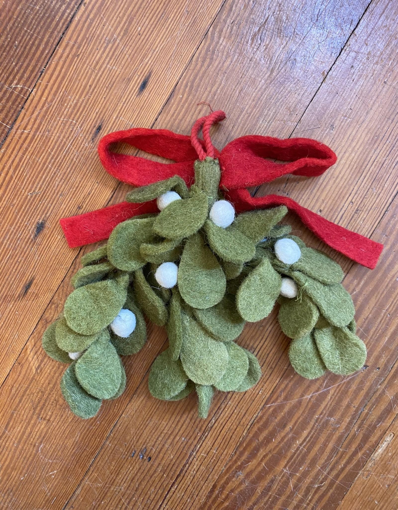 Wink Felt Holly Mistletoe