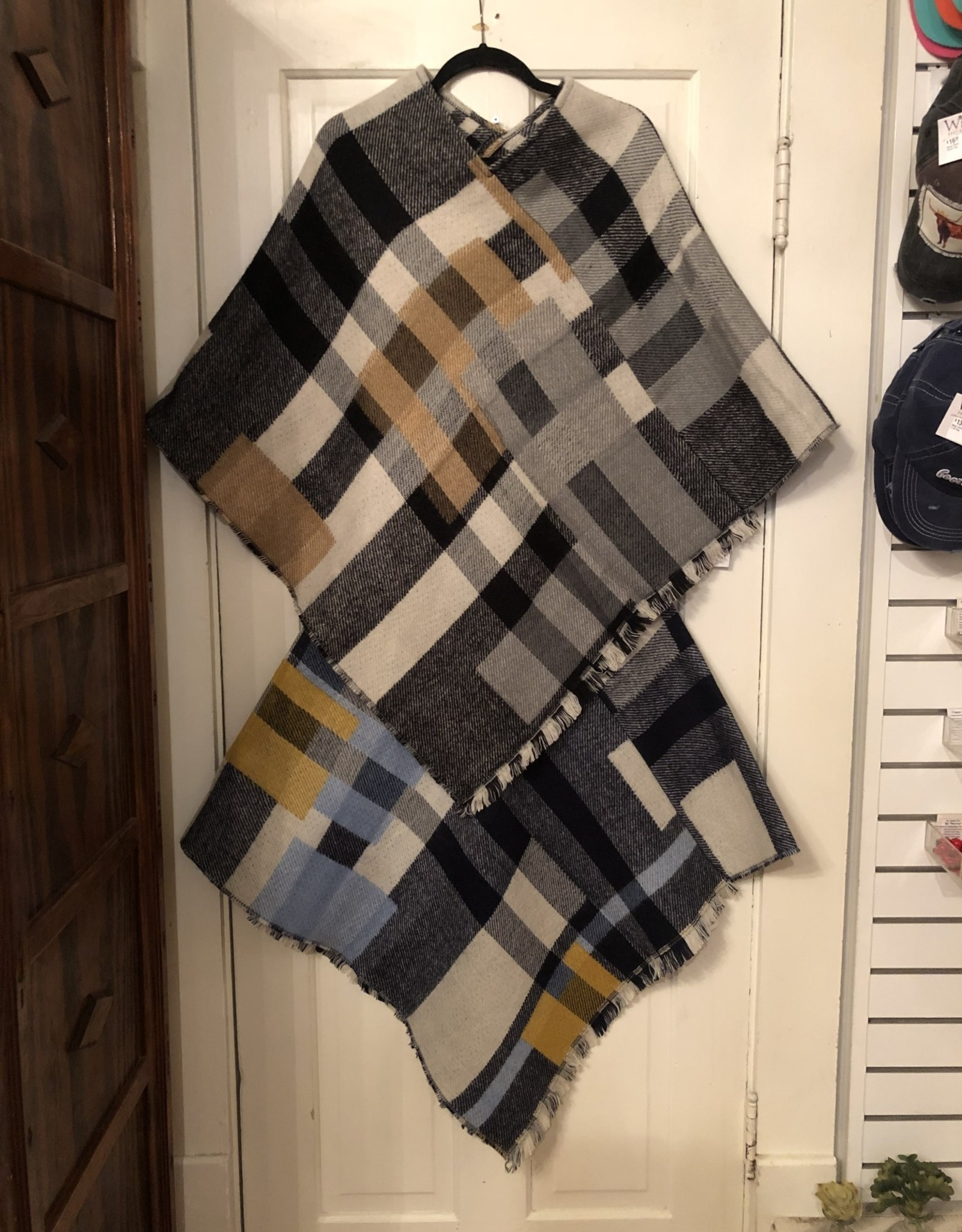 Wink Fall Checkered Fringe Poncho