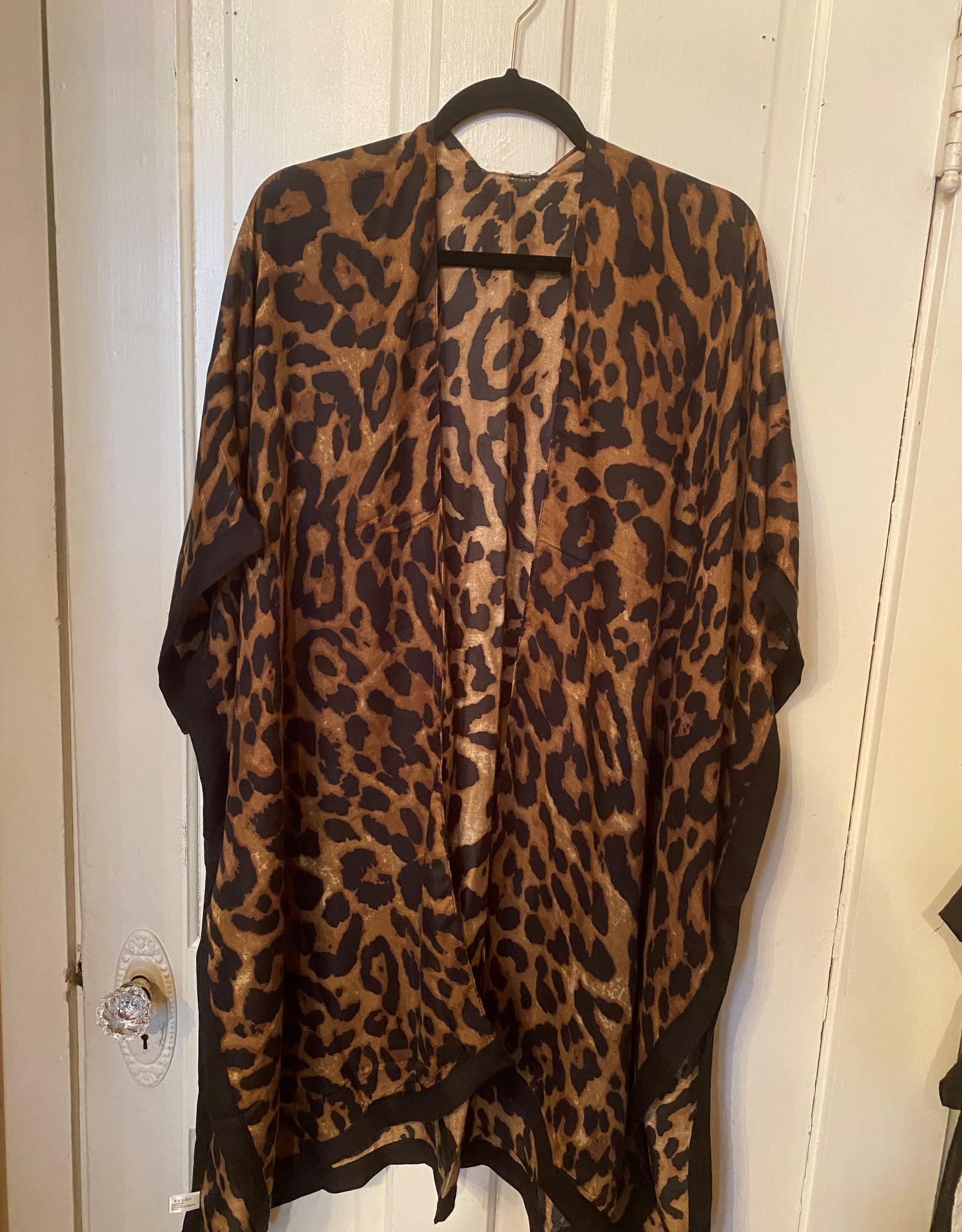 Wink Leopard Kimono