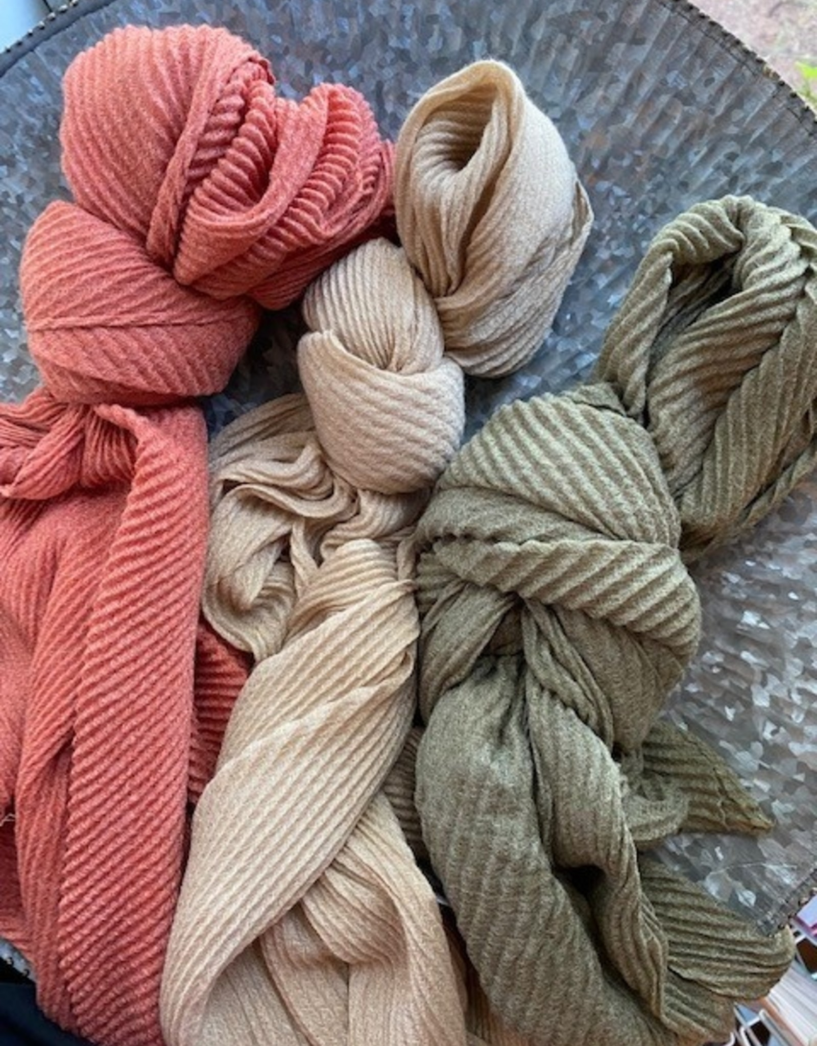 Wink Lightweight Ribbed Scarf