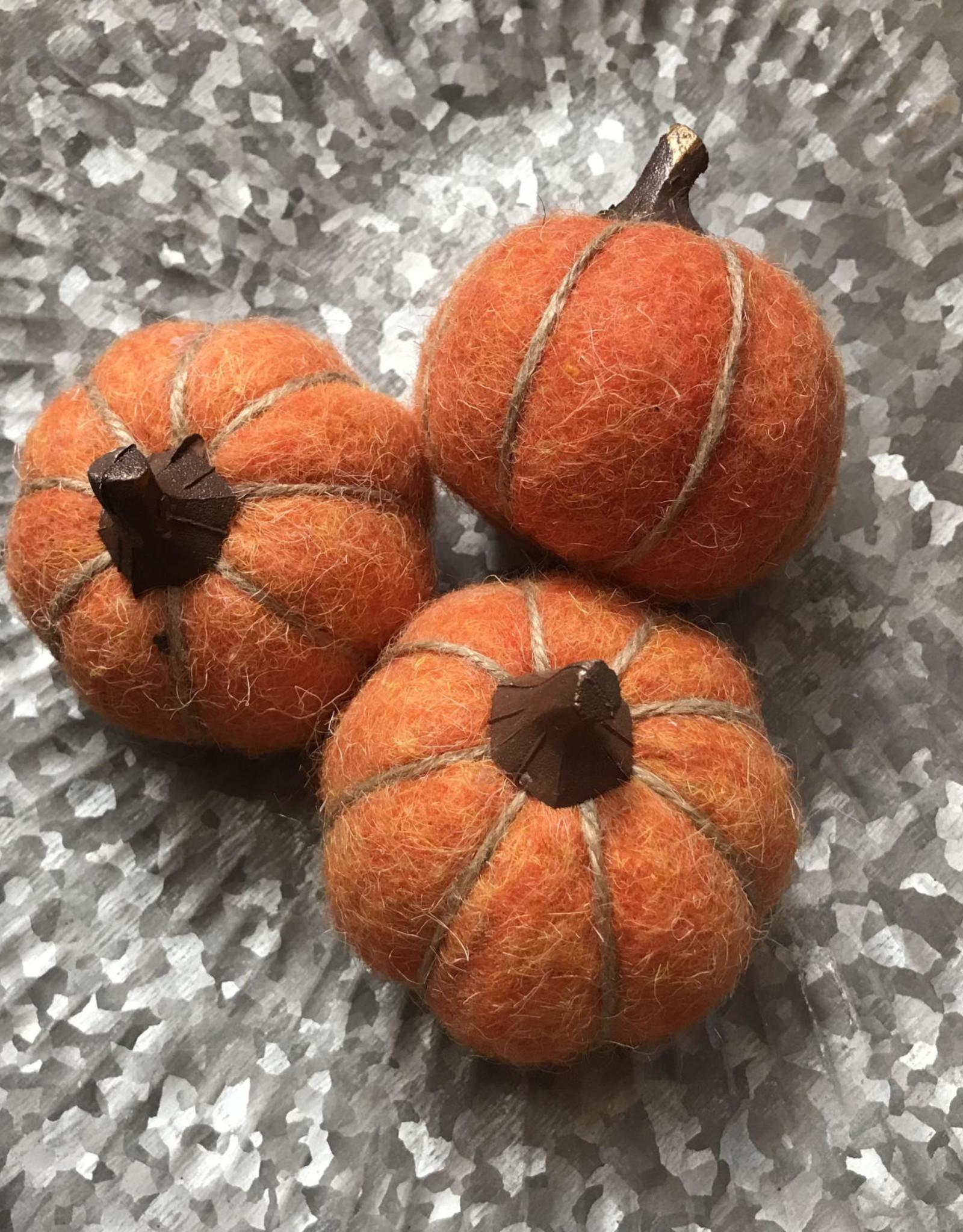 Wink Little Orange Wool Pumpkins