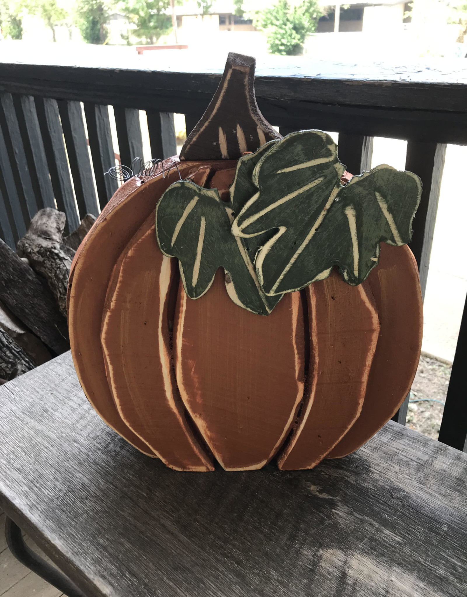 Wink Orange Wood Big Leaf Pumpkin