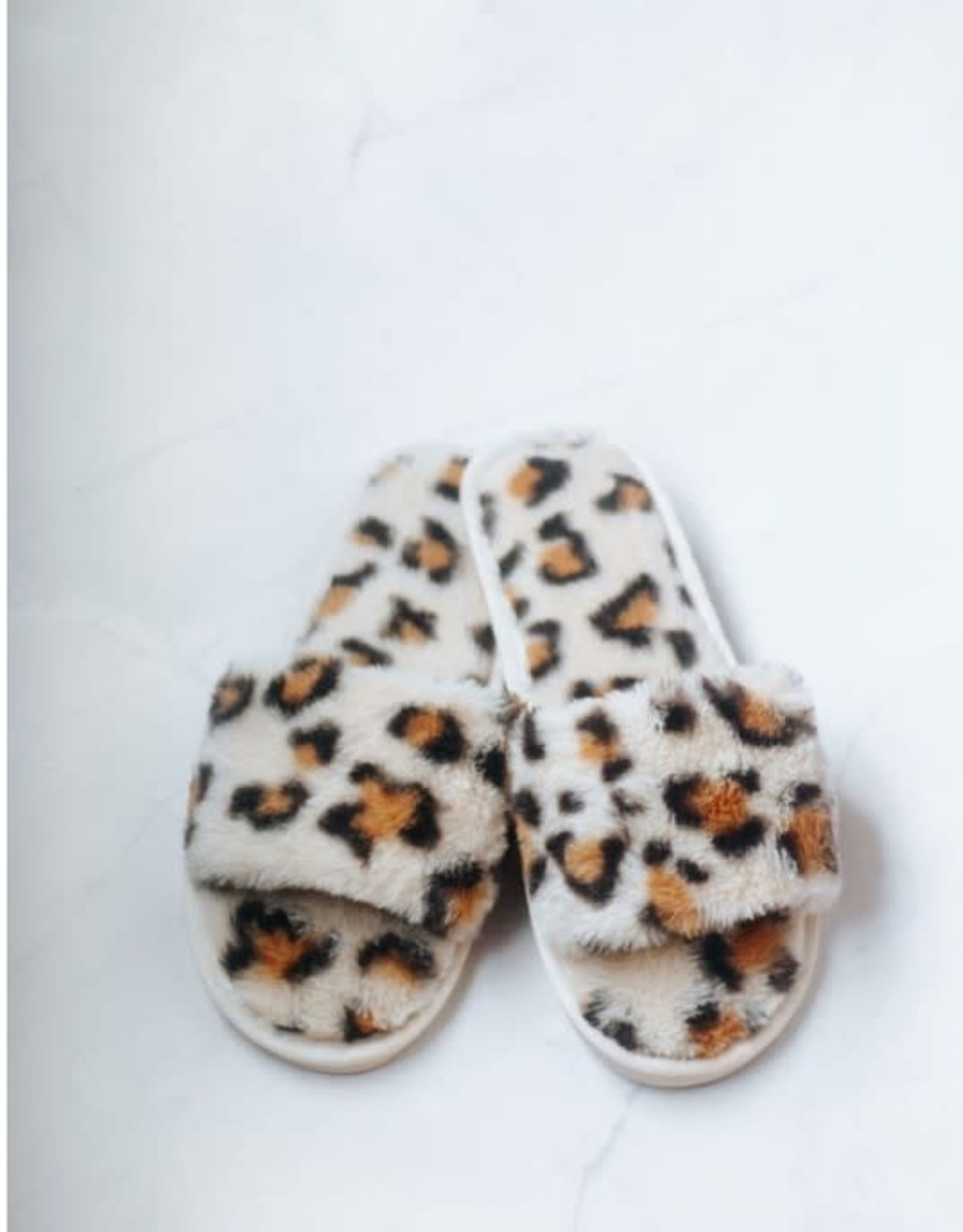 Plush and Cozy Leopard Slippers