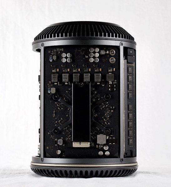 Apple MacPro TrashCan 12-Core 2.7GHz/64GB/512GB SSD/D700/L13