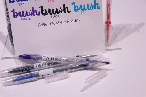 2001 Clicking Brush Marker