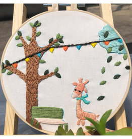 771220100 Giraffe Embroidery