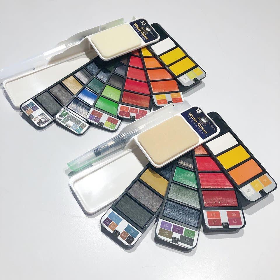 XiuPu Foldable Paper Watercolor 33 Color