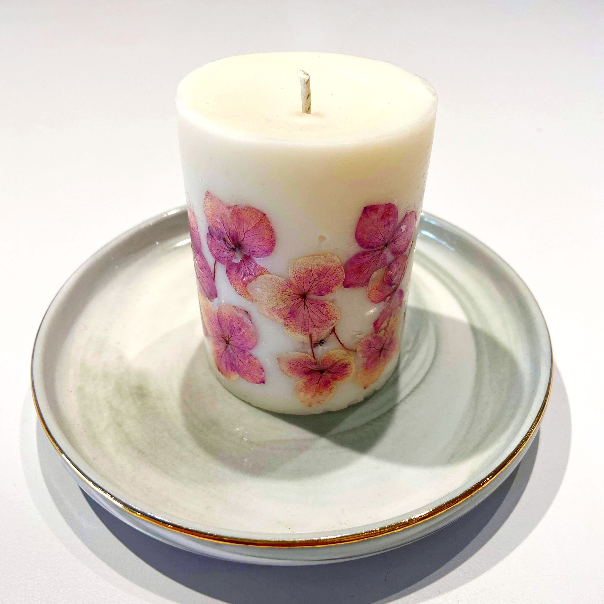 Soy Candle with Pink Flower Lavandula