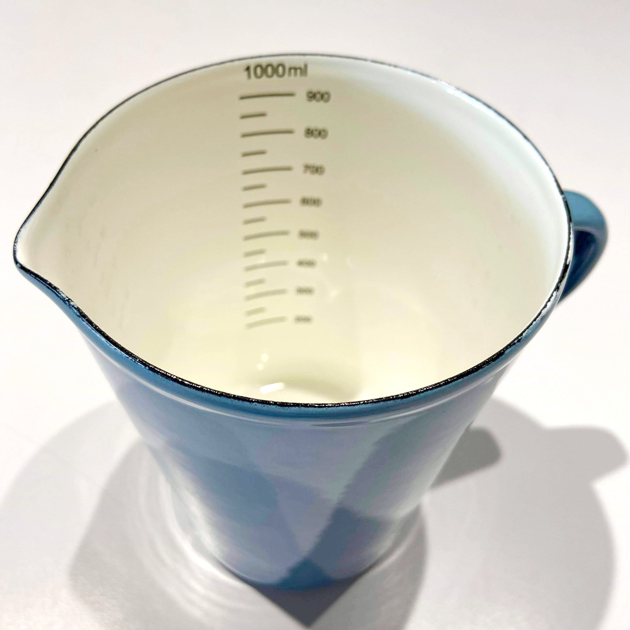 1 Litre Blue Measuring Cup