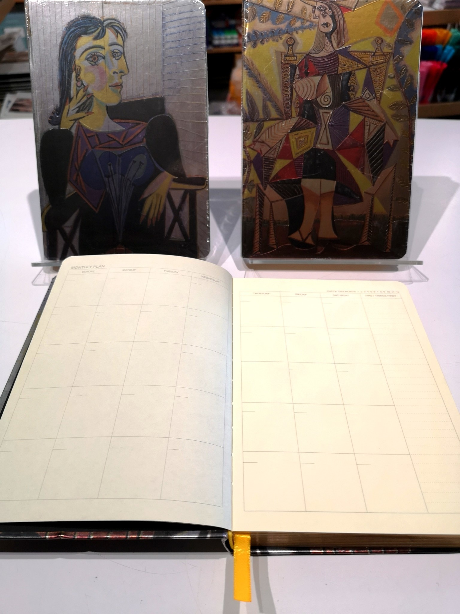 APYW7G67 Hard Cover Picasso 32150 Notebook