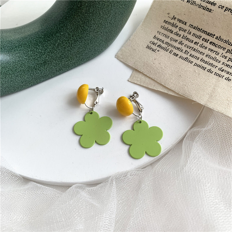 Yellow Button Green Daisy Clip On Earring