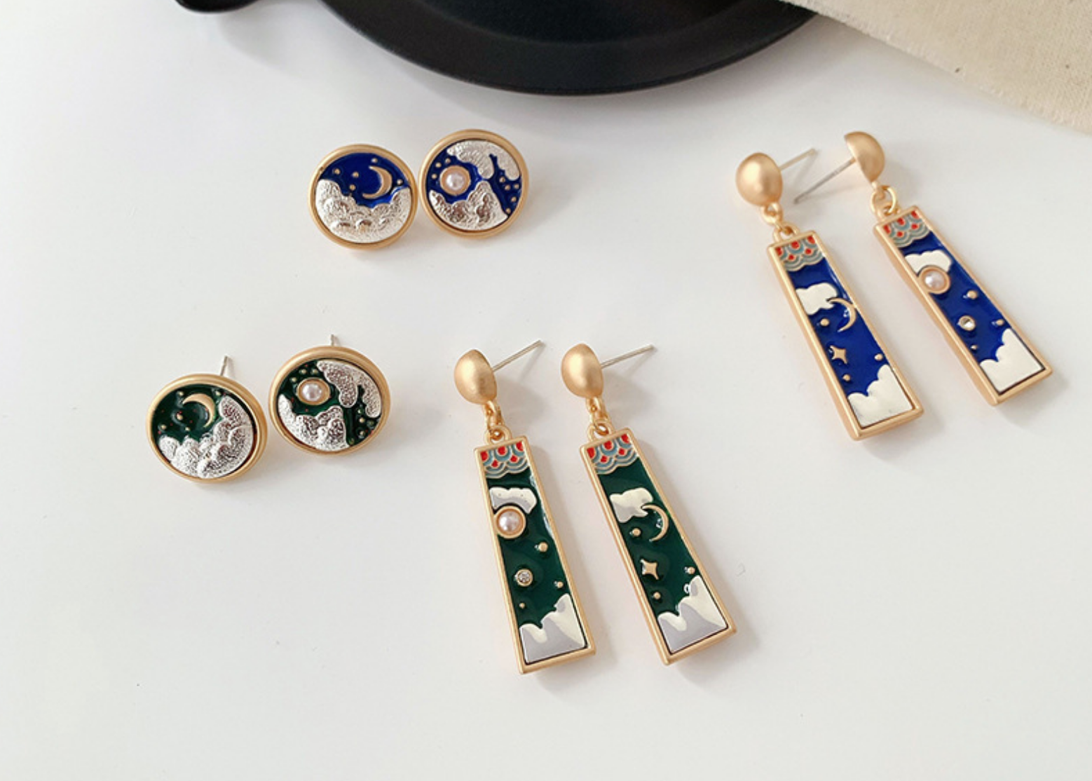 Blue Round Moon Earring