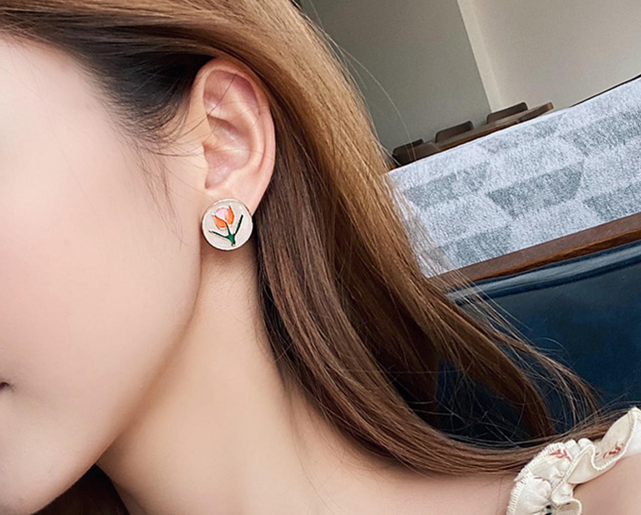 Round Tulip Clip On Earring