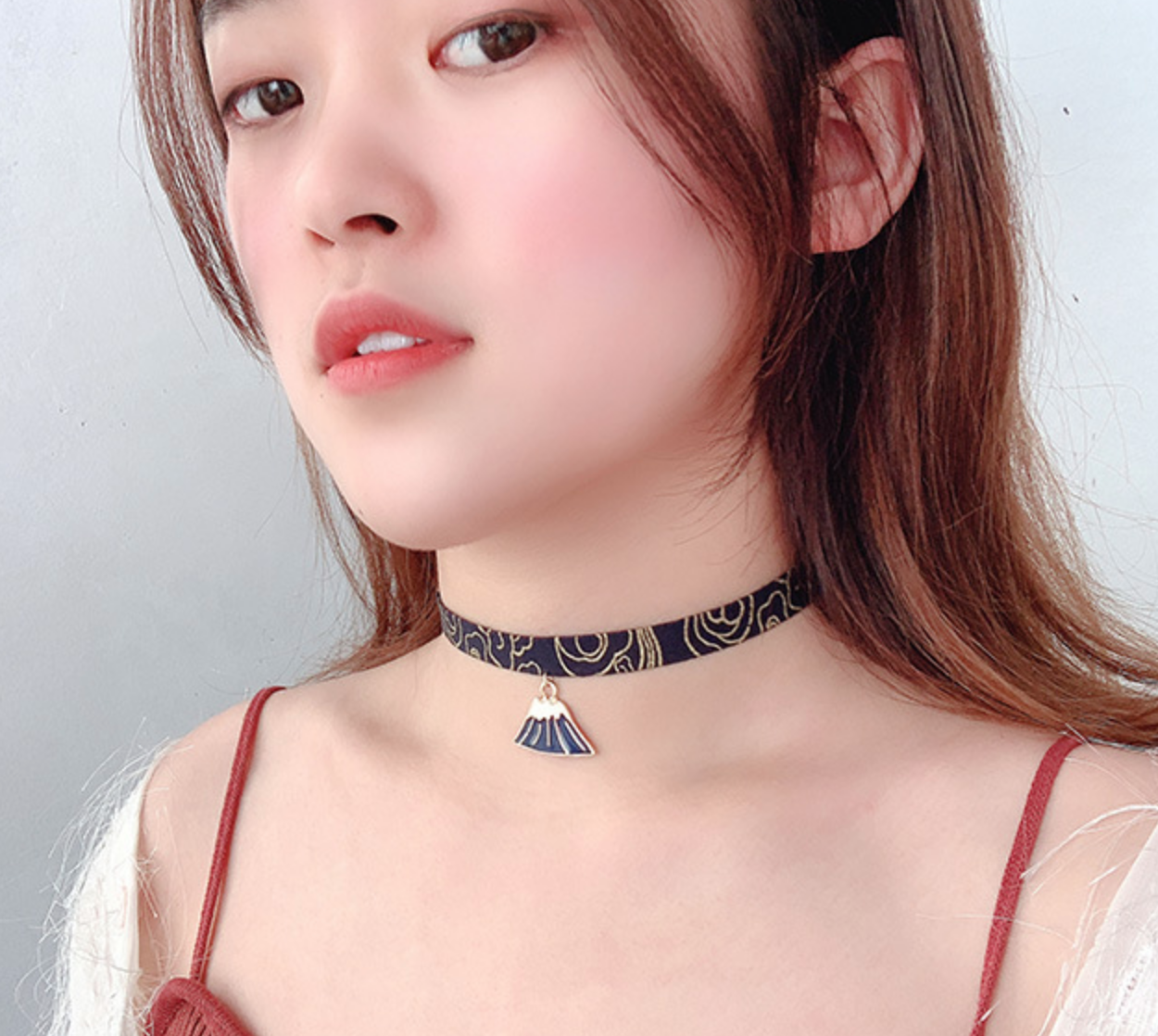 Mountain Black Choker