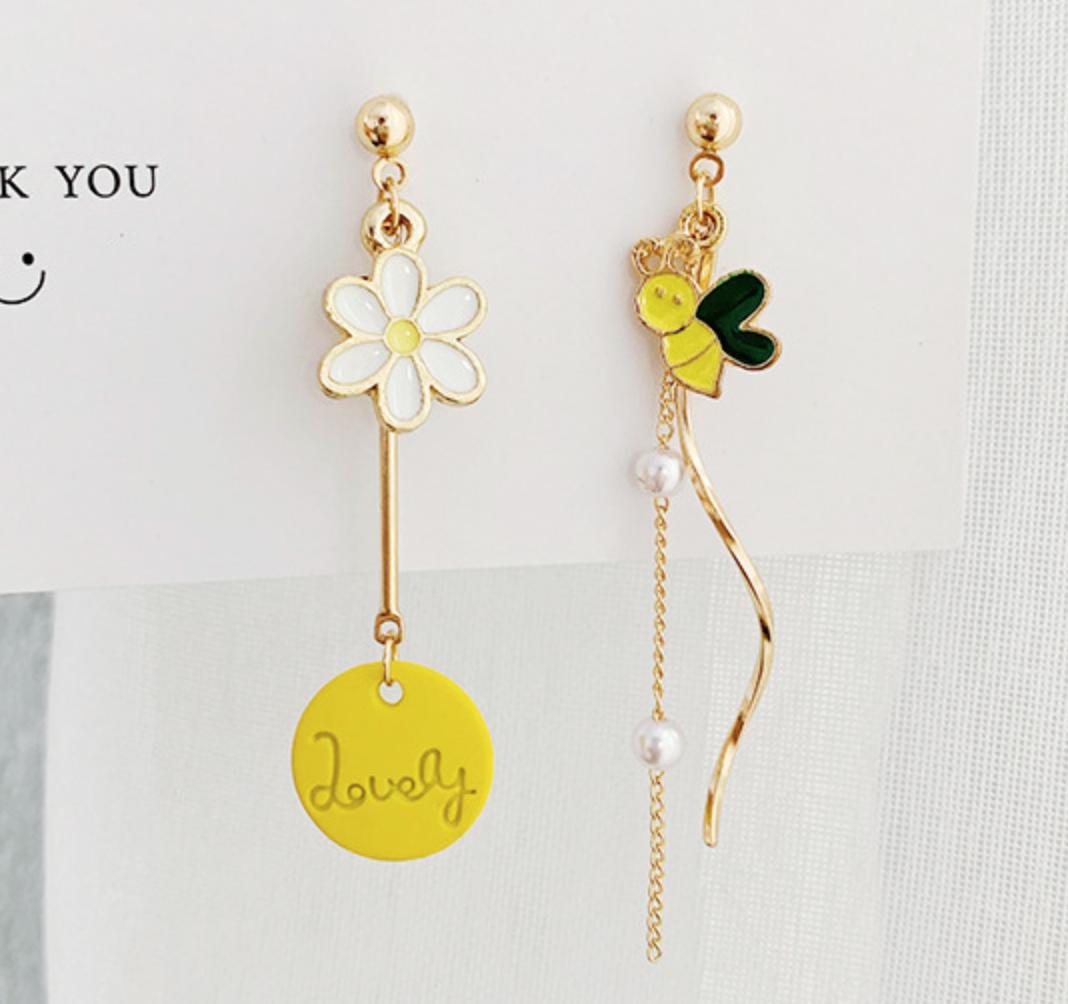 Bee Lovely Dangle Earring