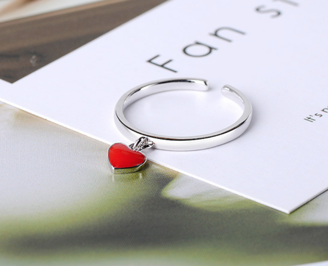 Dangle Red Heart Ring