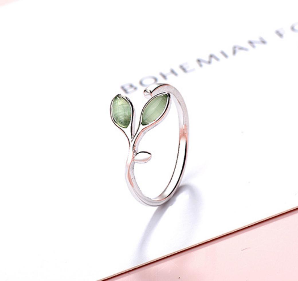Green Crystal Leaf Ring