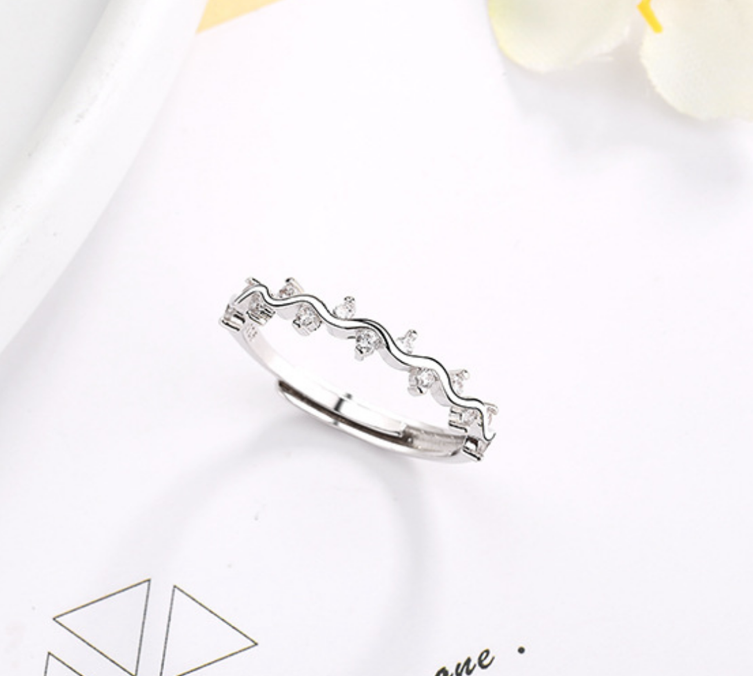 Squiggle Crystal Ring