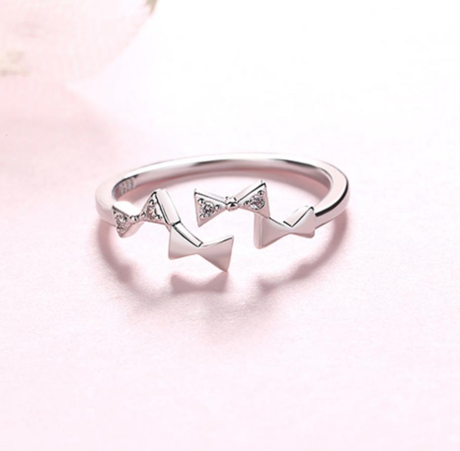 Bow Ribbons Ring