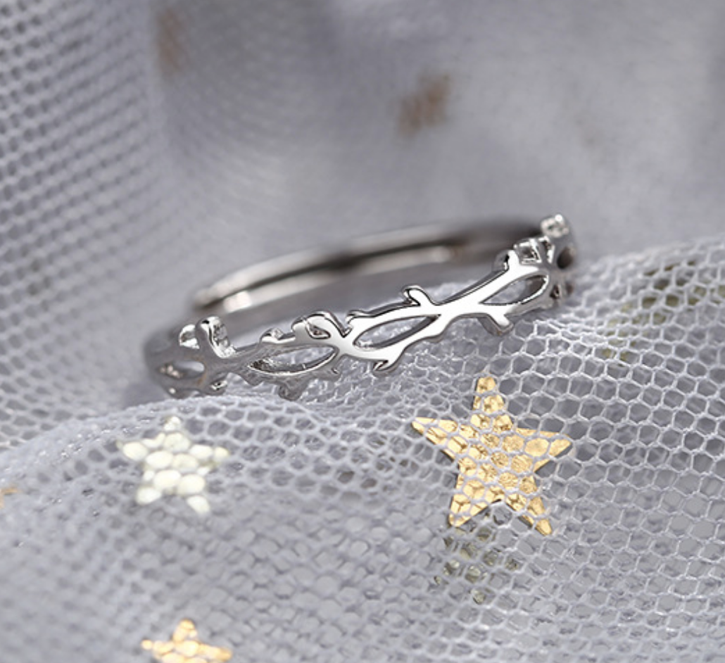 Twisted Branches Ring