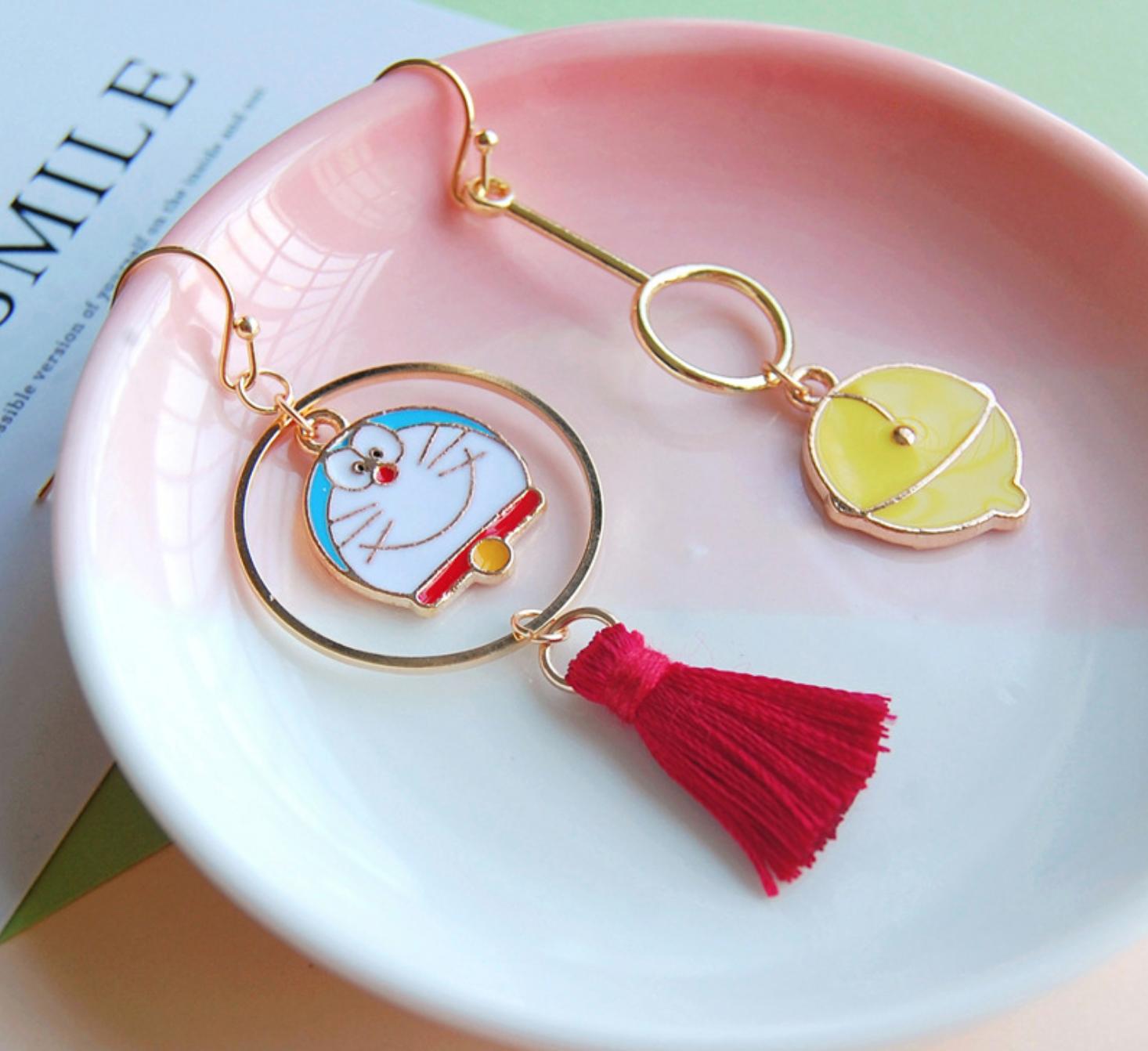 Doraemon Dangle Earring