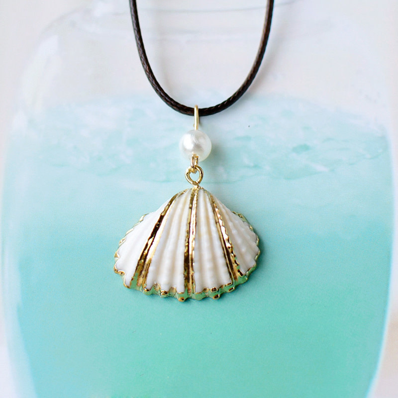 Gold Striped White Shell Necklace