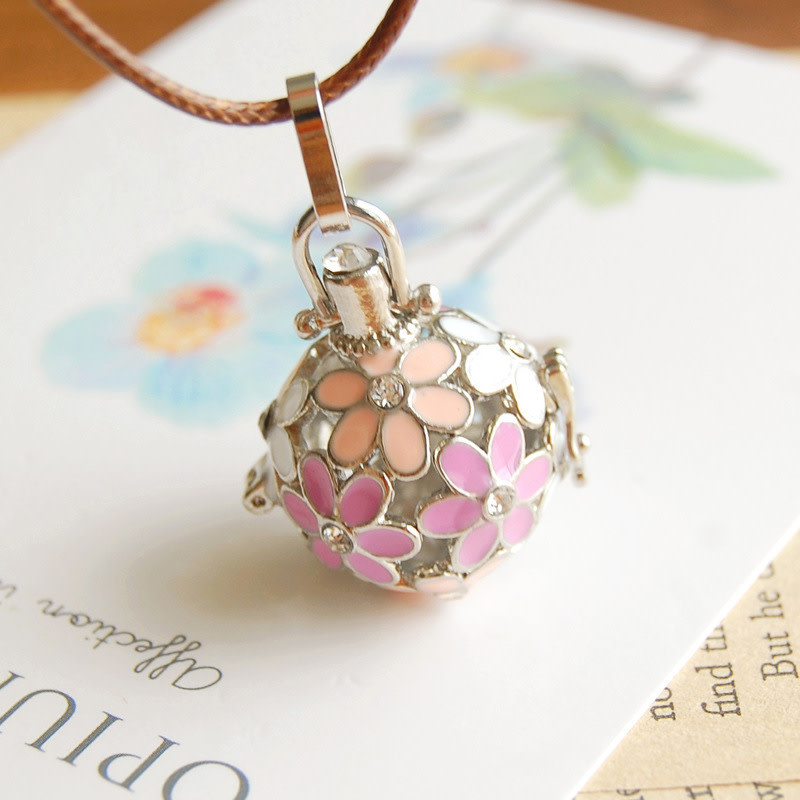 Pink/White Silver Necklace