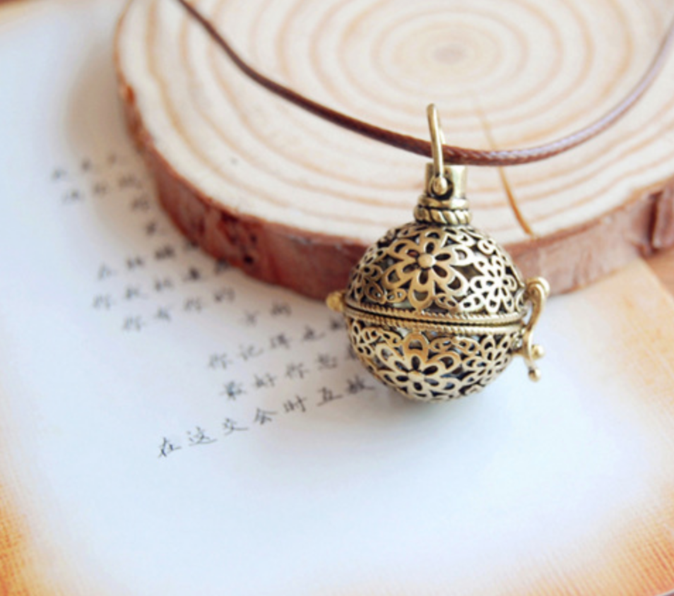 Floral Sphere Bronze Scent Necklace