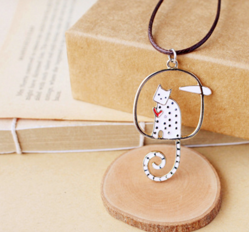 Dotted Cat on Circle Necklace