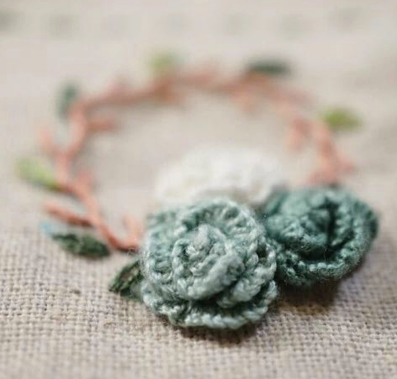 Two Green Flower Wreather Embroidery