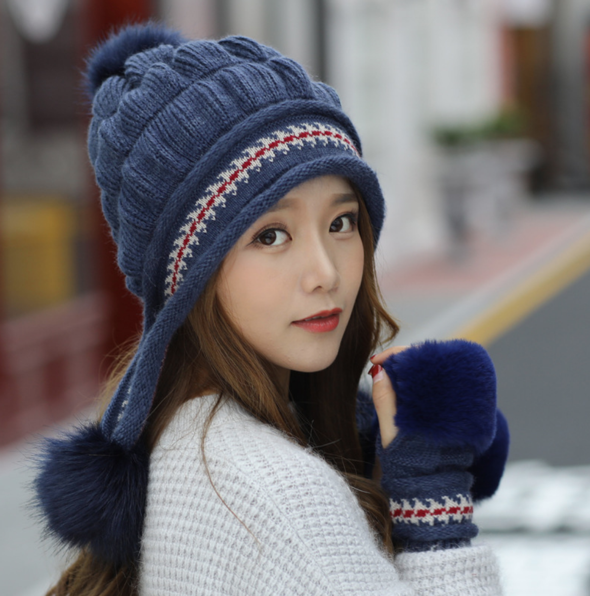 Braid Knit Toque with Handwarmers