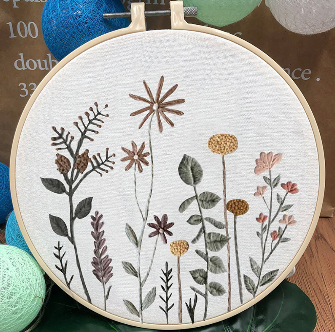 Su Zi Muted Dainty Rising Flowers 20cm Embroidery