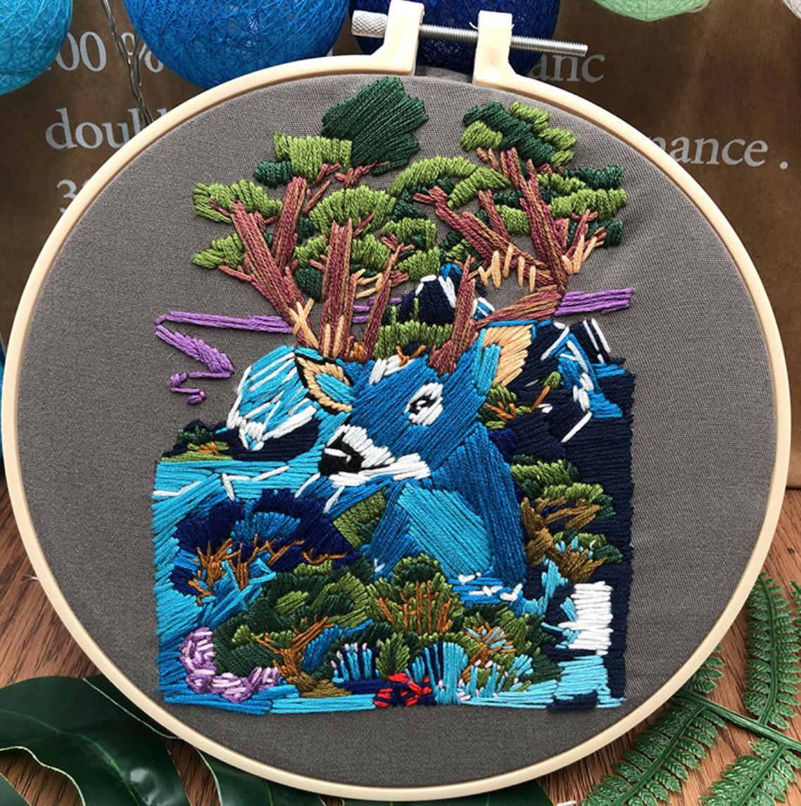 Su Zi Blue Deer 20cm Embroidery