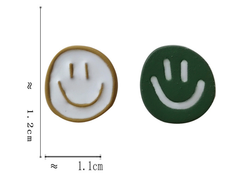 Bao Yuan White and Green Smile Face Earring