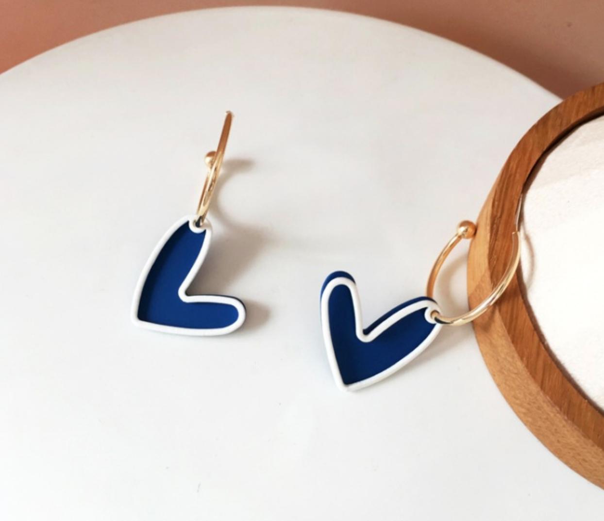 Bao Yuan Blue Heart Earring
