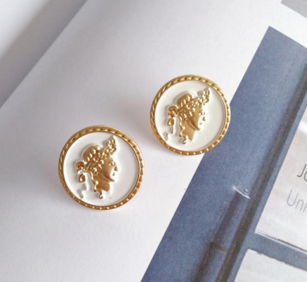 Bao Yuan Gold Head on White Earring