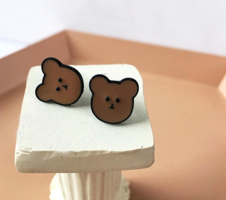 Bao Yuan Brown Bear Earring