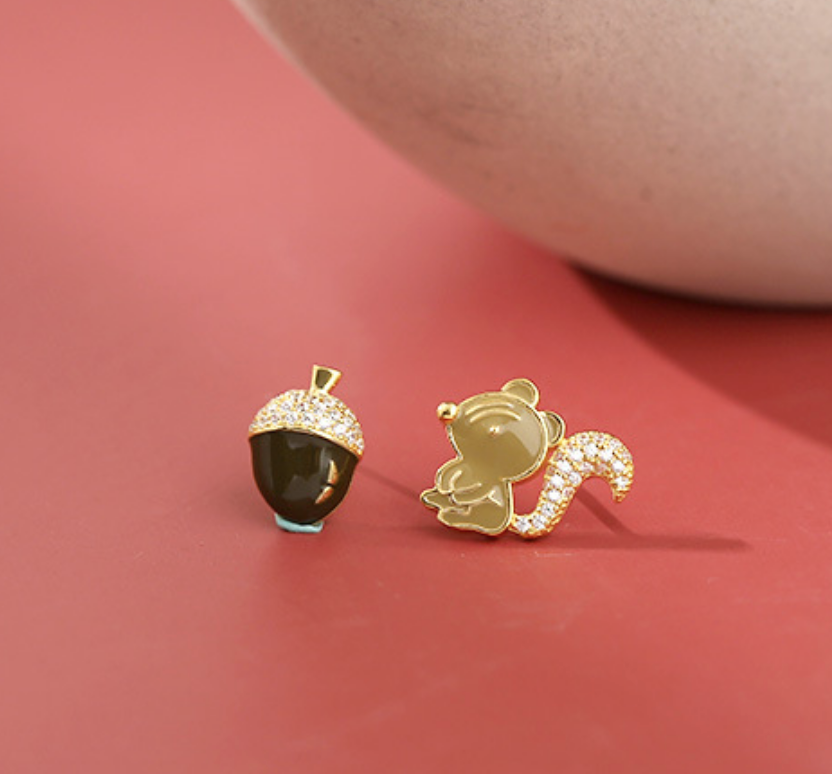Dao Can Squirrel and Acorn Earring