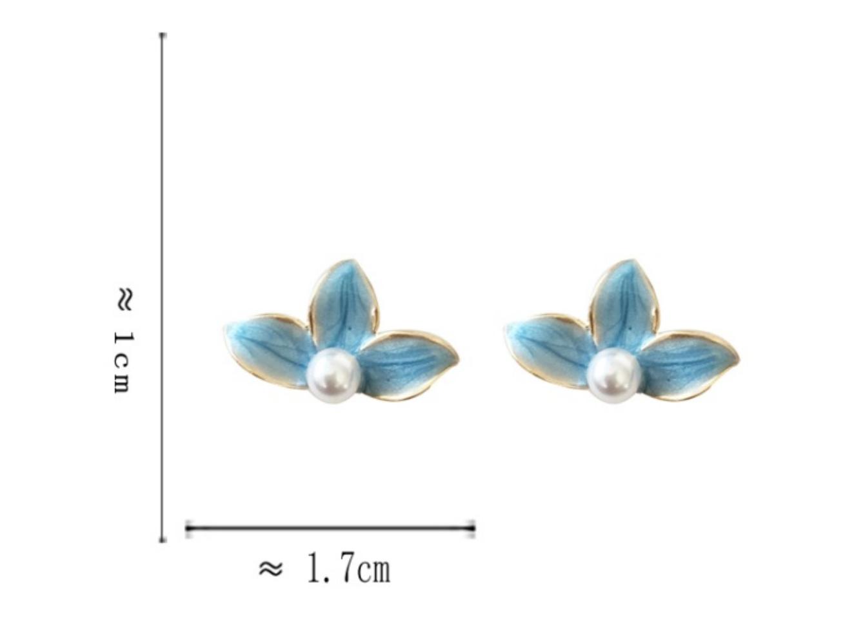 Bao Yuan Blue Flower with Pearl Earring