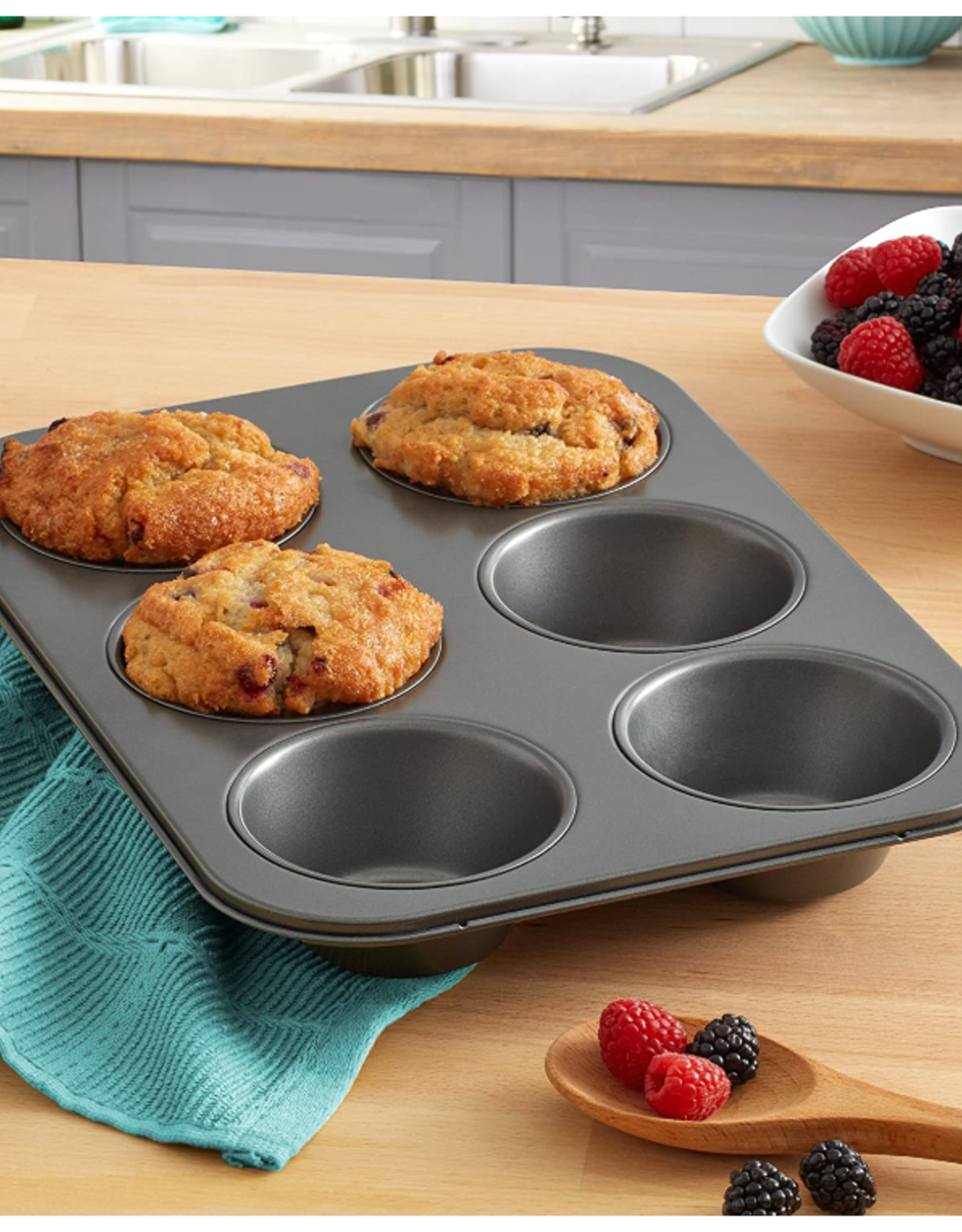 Chicago Metallic ChicMet 6 Cup Giant Muffin Pan