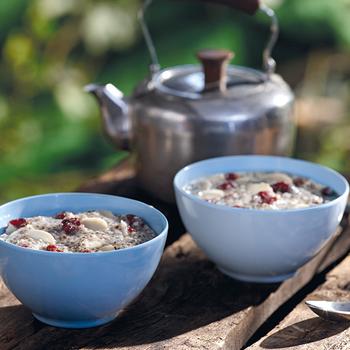 HAPPY YAK Chia Delight w/Almonds & Cranberries (Vegetarian)