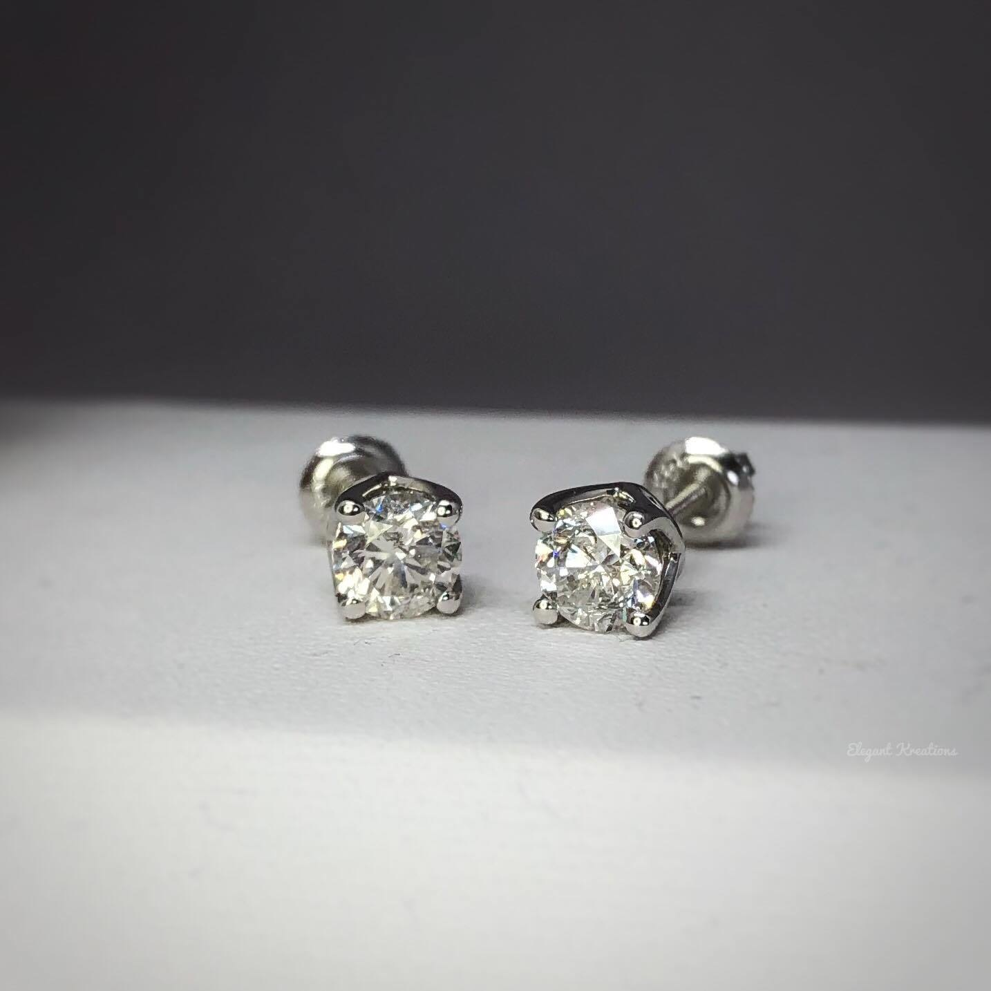 .95tw Round white gold Diamond Studs