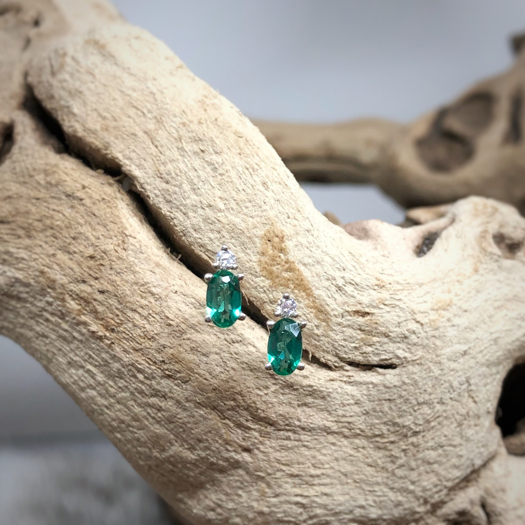 14K WG CR Emerald Earrings
