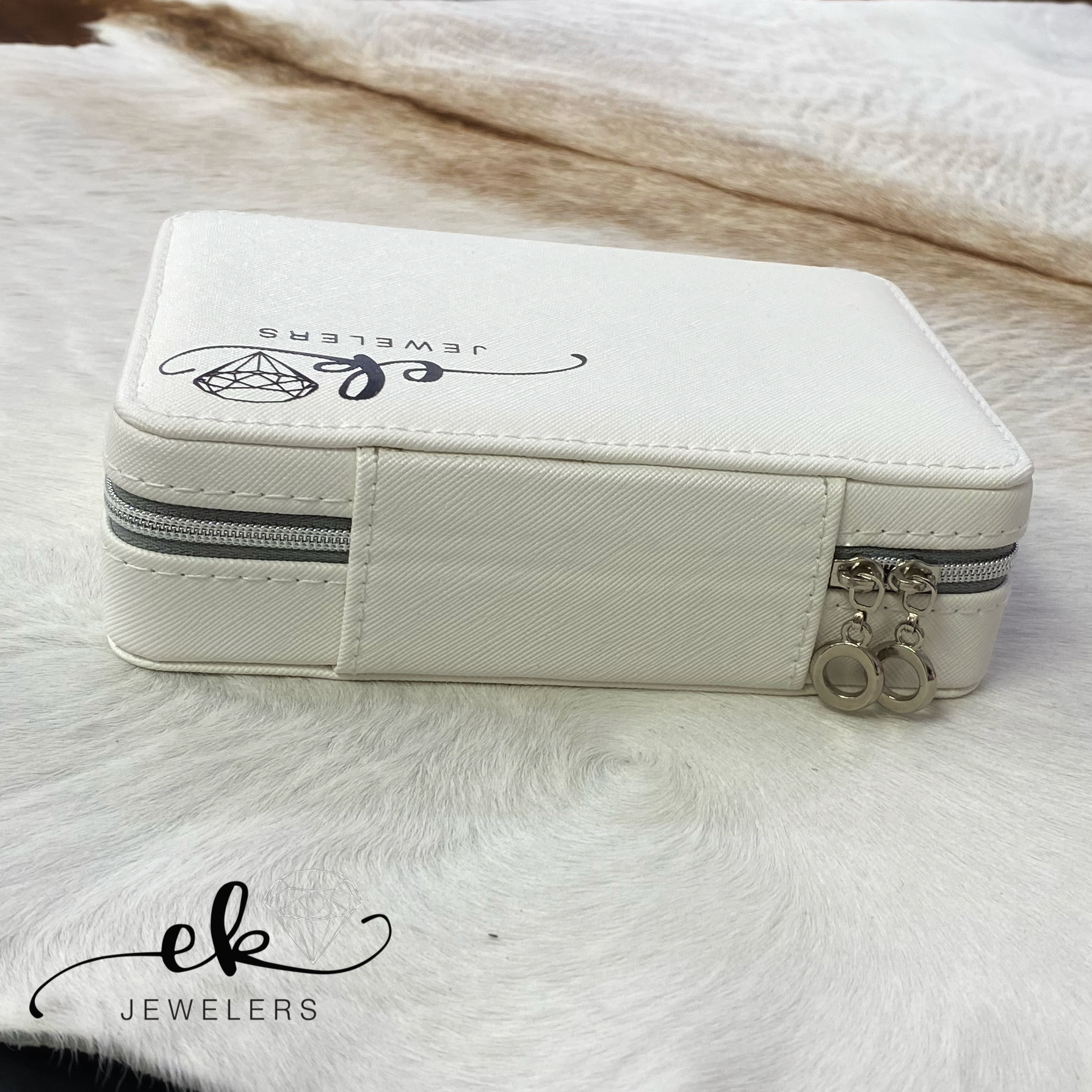 Travel Jewelry Box with a Zipper