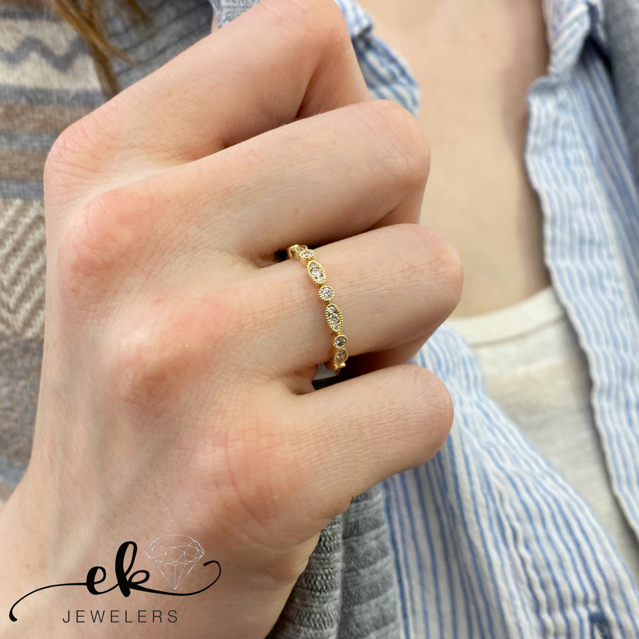 Vintage Diamond 14K Yellow Gold band ring