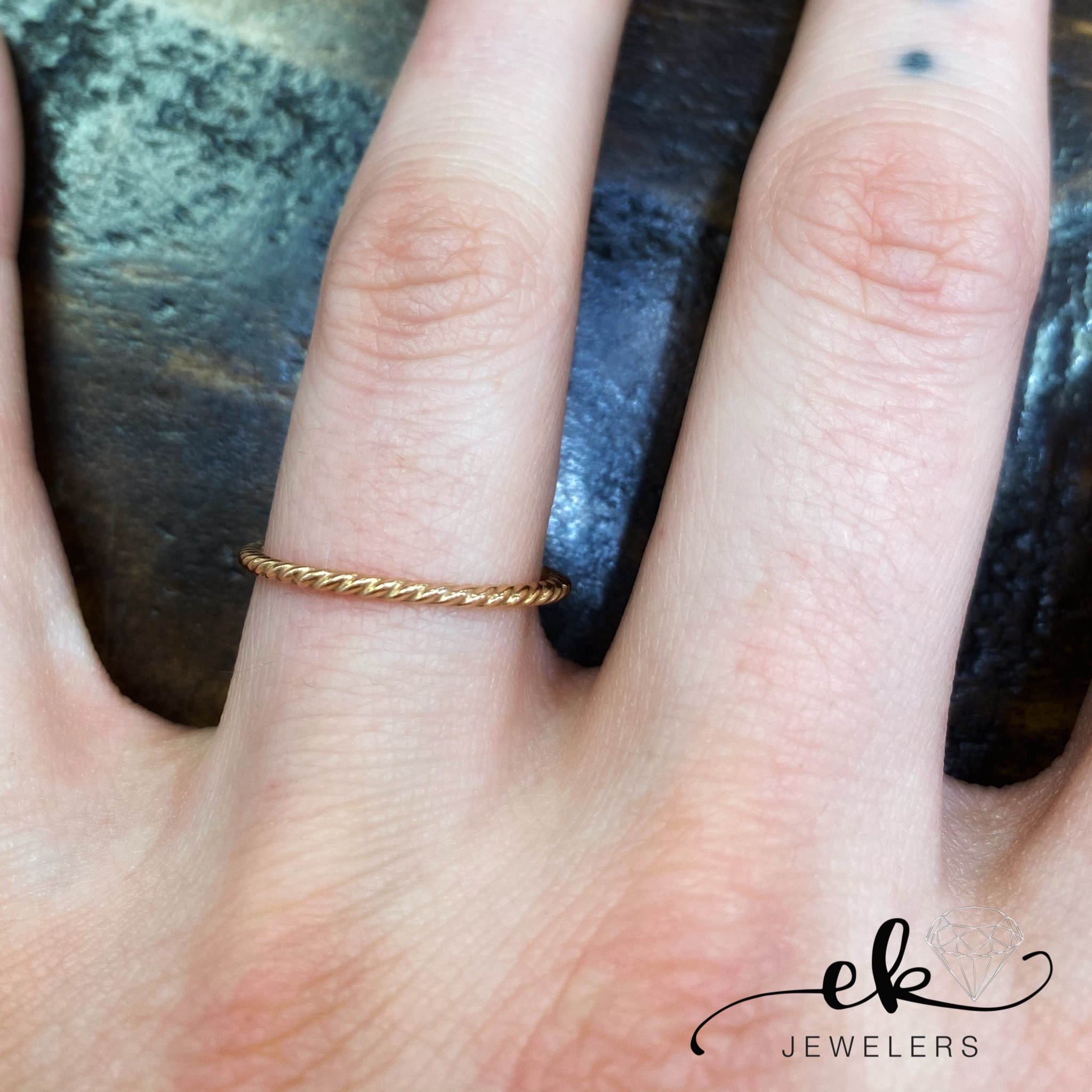 Twist Polished Rose Gold Band Ring