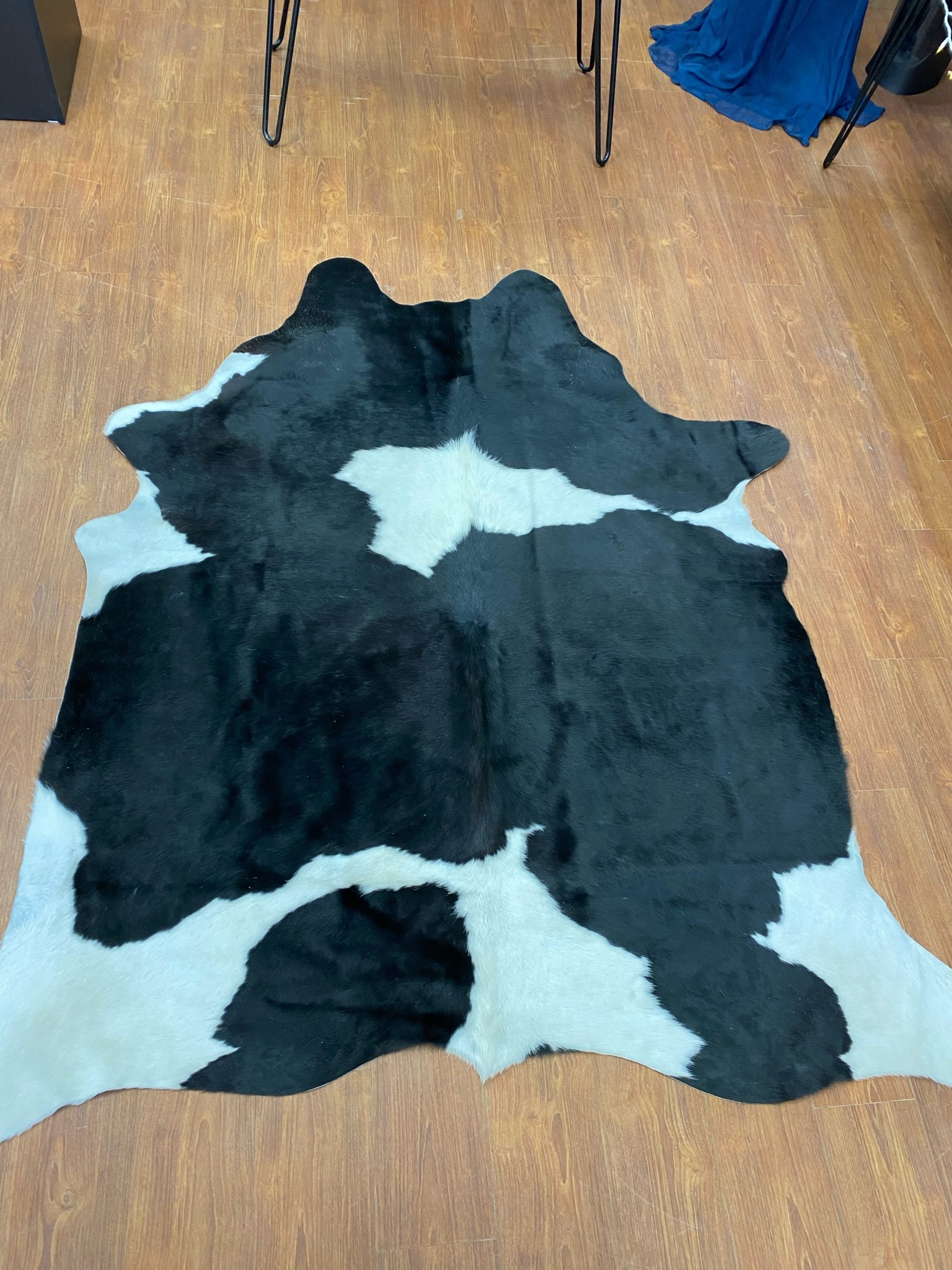 Holstein Black and White Cowhide Rug Throw