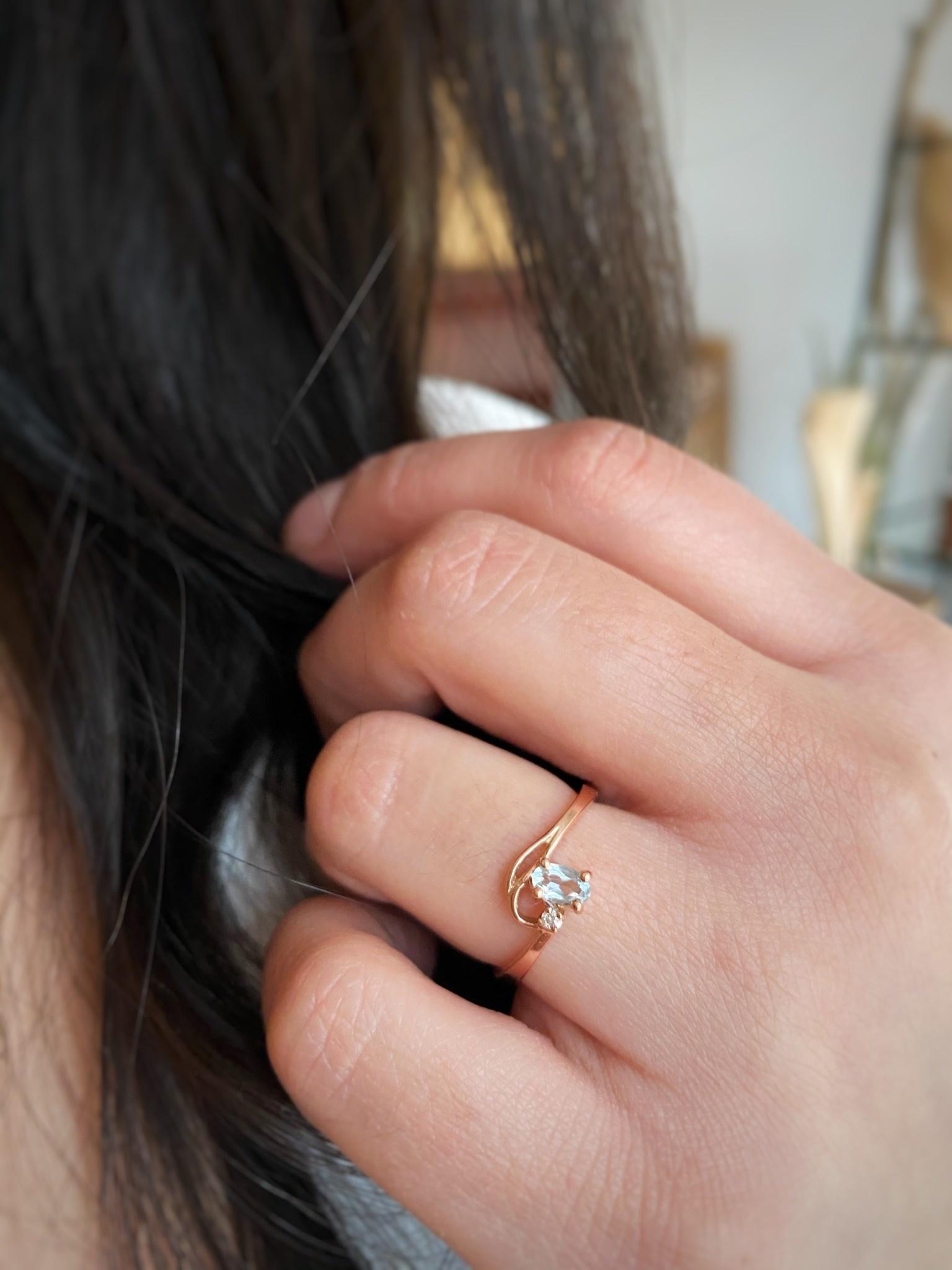 10k Aquamarine & Diamond Ring