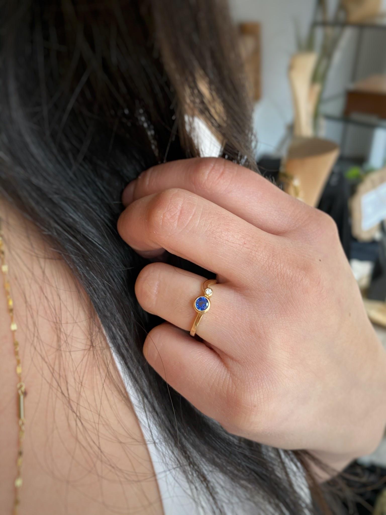 YG CR Sapphire and Diamond Ring